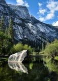 Lago mirror de Yosemité Imagen de archivo libre de regalías