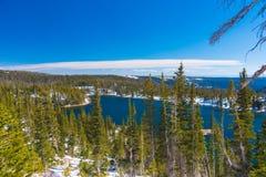Lago mirror en el bosque del Estado del arco de la medicina, Wyoming Fotografía de archivo