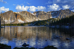 Lago mirror, gamma di Snowy, Wyoming Immagine Stock