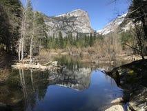 Lago mirror in parco nazionale di Yosemite California U.S.A. Fotografie Stock Libere da Diritti