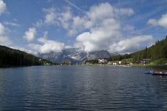 Lago Misurina, Auronzo di Cadore, Belluno, Italia Imagen de archivo libre de regalías