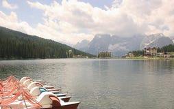 Lago Misurina, dolomías, Italia Fotografía de archivo