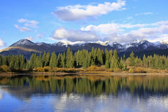 Lago Molas e montanhas da agulha, região selvagem de Weminuche, Colorado Imagens de Stock