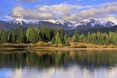 Lago Molas e montanhas da agulha, região selvagem de Weminuche, Colorado Imagem de Stock