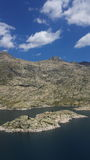 Lago, montaña y nubes Fotografía de archivo libre de regalías