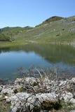 Lago in montagna fotografia stock libera da diritti