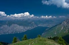 Lago in montagne Fotografie Stock Libere da Diritti