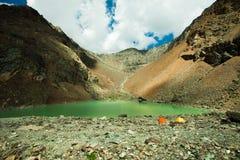 Lago in montagne Immagine Stock Libera da Diritti