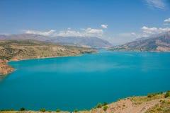 Lago in montagne Immagine Stock