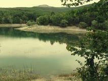 Lago montanhoso, Crimeia imagens de stock