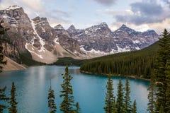 Lago moraine, AB Imagens de Stock Royalty Free