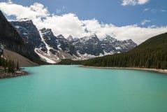 Lago moraine no parque nacional de Banff, Canadá fotografia de stock royalty free