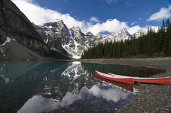 Lago moraine no parque nacional de Banff, Canadá Imagens de Stock
