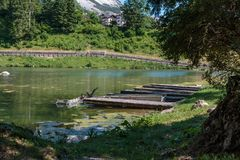 Lago Mosigo in San Vito di Cadore dentro le alpi italiane delle dolomia Fotografia Stock Libera da Diritti