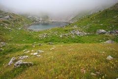 Lago mountain in alpi albanesi Immagini Stock Libere da Diritti