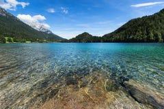 Lago mountain con acqua blu del turchese Fotografia Stock