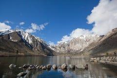 Lago mountain con la riflessione Fotografie Stock