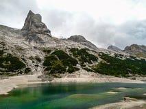 Lago mountain dell'Italia delle alpi della dolomia Fotografie Stock