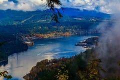 Lago mountain el tarde del otoño Imágenes de archivo libres de regalías