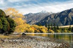 Lago mountain en caída Imagen de archivo libre de regalías