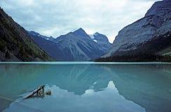 Lago mountain en Canadá imagenes de archivo