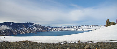 Lago mountain en Islandia Imagenes de archivo