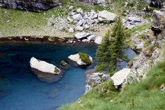 Lago mountain en las montan@as imagen de archivo libre de regalías