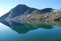Lago mountain - lago Djupvatnet, más og Romsdal, Foto de archivo libre de regalías