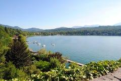 Lago mountain, lagos do parque natural de Avigliana, Itália Fotografia de Stock Royalty Free