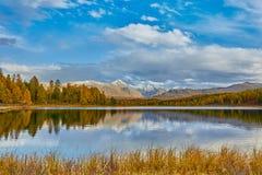 Lago mountain, montagne di Altai Fotografia Stock