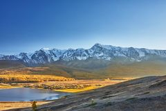 Lago mountain, montagne di Altai Immagine Stock