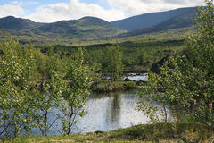 Lago mountain na paisagem da região polar Imagem de Stock Royalty Free