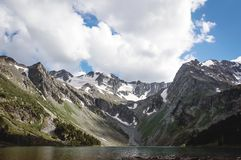 Lago mountain na primavera fotos de stock