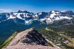 Lago mountain nei laghi parco nazionale, Canada Waterton Immagini Stock