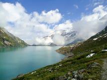 Lago mountain nelle alpi Immagine Stock Libera da Diritti