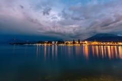 Lago mountain nelle alpi alla notte Lucerna alla notte Fotografia Stock Libera da Diritti
