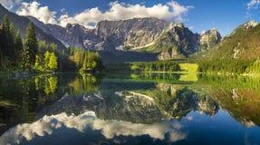Lago mountain nelle alpi italiane Fotografie Stock