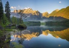 Lago mountain nelle alpi italiane Immagine Stock Libera da Diritti