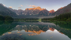 Lago mountain nelle alpi italiane Fotografie Stock Libere da Diritti