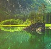 Lago mountain nelle alpi italiane, retro colori, annata Fotografie Stock