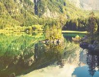 Lago mountain nelle alpi italiane, retro colori, annata Fotografia Stock