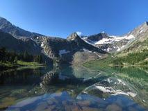 Lago mountain nelle montagne di Altai Immagini Stock