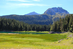 Lago mountains Immagine Stock