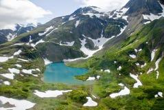 Lago mountains en Alaska Foto de archivo