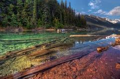 Lago Multi-colored della montagna Fotografia Stock