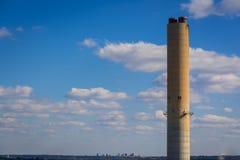 Lago Murray Energy Plant Smoke Stack Carolina del Sud fotografia stock libera da diritti