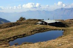 Lago na montanha foto de stock