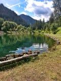 Lago na montanha Imagens de Stock Royalty Free