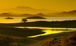 Lago na névoa Foto de Stock
