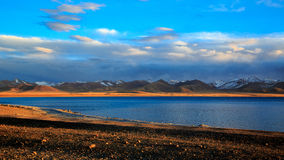 Lago Nam nel crepuscolo fotografia stock
